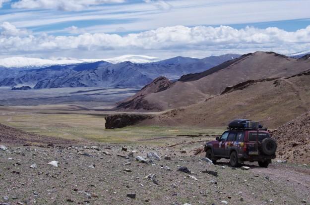Ulgii pilsēta, Altay Tavan Bogd nacionālais parks, Hoton nuur un Hurgan nuur ezeri, akmeņainais kalnu trofi.