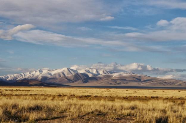Pēc 5000 km kratīšanās pa Krievijas vidienes briesmīgajiem ceļiem, mēs ieripojam Altaja Republikā.